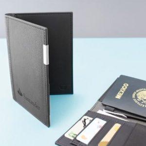 Porta Pasaporte Takayama Chisaii  #: Pas-chi